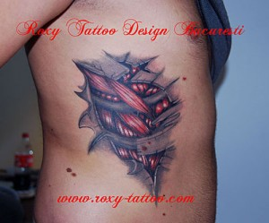 biomecanic coaste tatuaj mare model Roxy Tattoo
