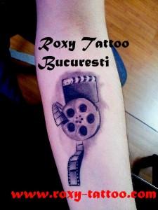rola_film_tatuaj_roxy